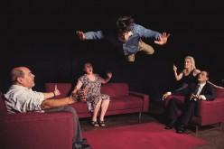 La obra argentina 'El loco y la camisa', en el Cine-Teatro Louletano