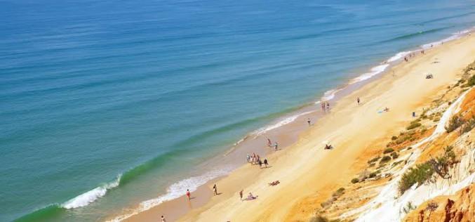 La Playa de Falésia, la mejor de Portugal y la 12ª del mundo