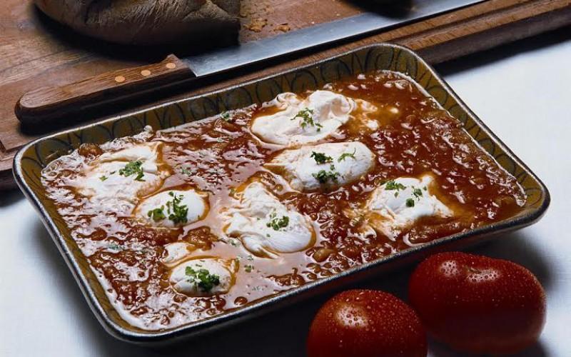 Receta de huevos con tomate a la algarvía