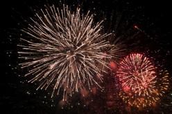 Vila do Bispo recibe 2017 con fuegos artificiales