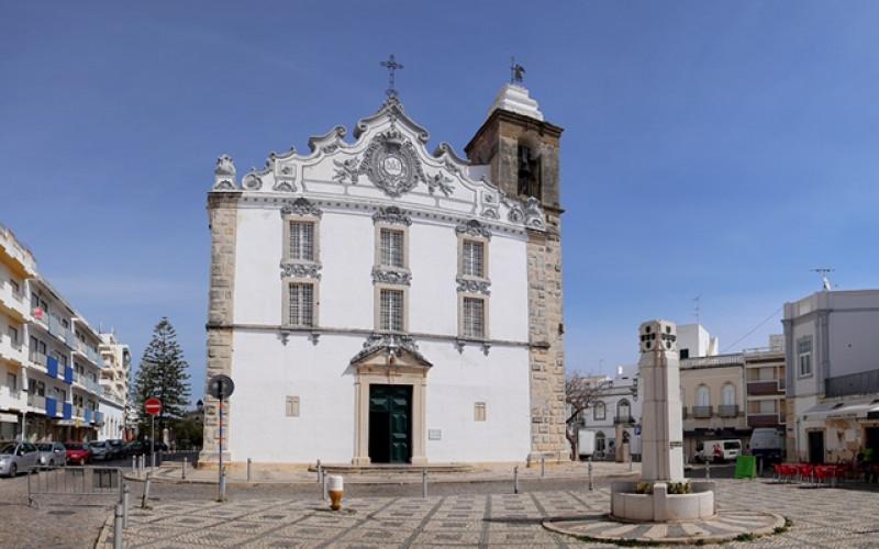 La Iglesia Matriz, un lugar de paso obligado en Olhao