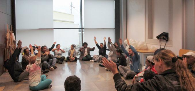 Yoga de la risa y experiencias personales, en el Día de la Igualdad en Olhao