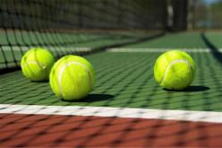 Loulé enseña a practicar 'Tenis en la Escuela'