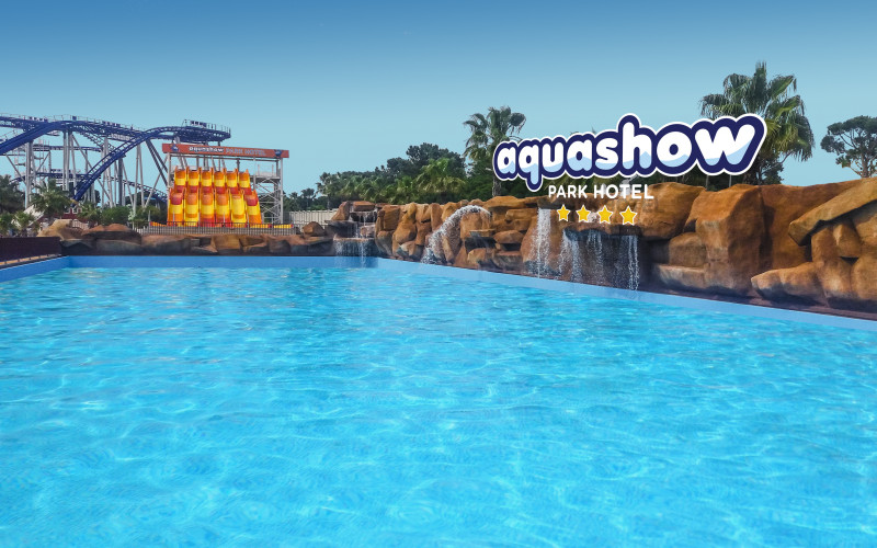 Aquashow Park Hotel abre con una piscina tropical de 900 metros cuadrados