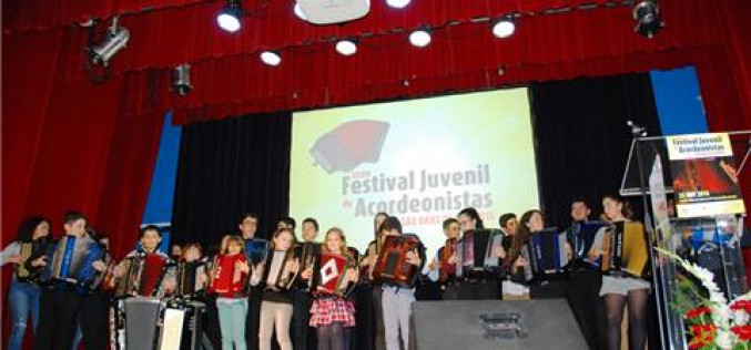 Jóvenes talentos del Algarve brillan en el XXXIV Festival de Acordeonistas de São Brás