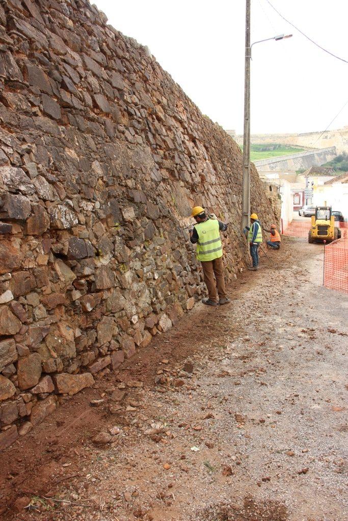Castro Marim comienza la restauración del Trozo de la Muralla del Fuerte de San Sebastián