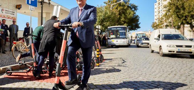 """Se presenta el compromiso de diversas entidades en el """"Lanzamiento de la movilidad compartida en Faro"""""""